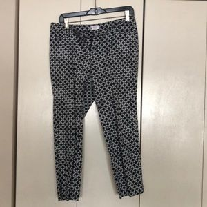 Laundry size 6 black and white trousers